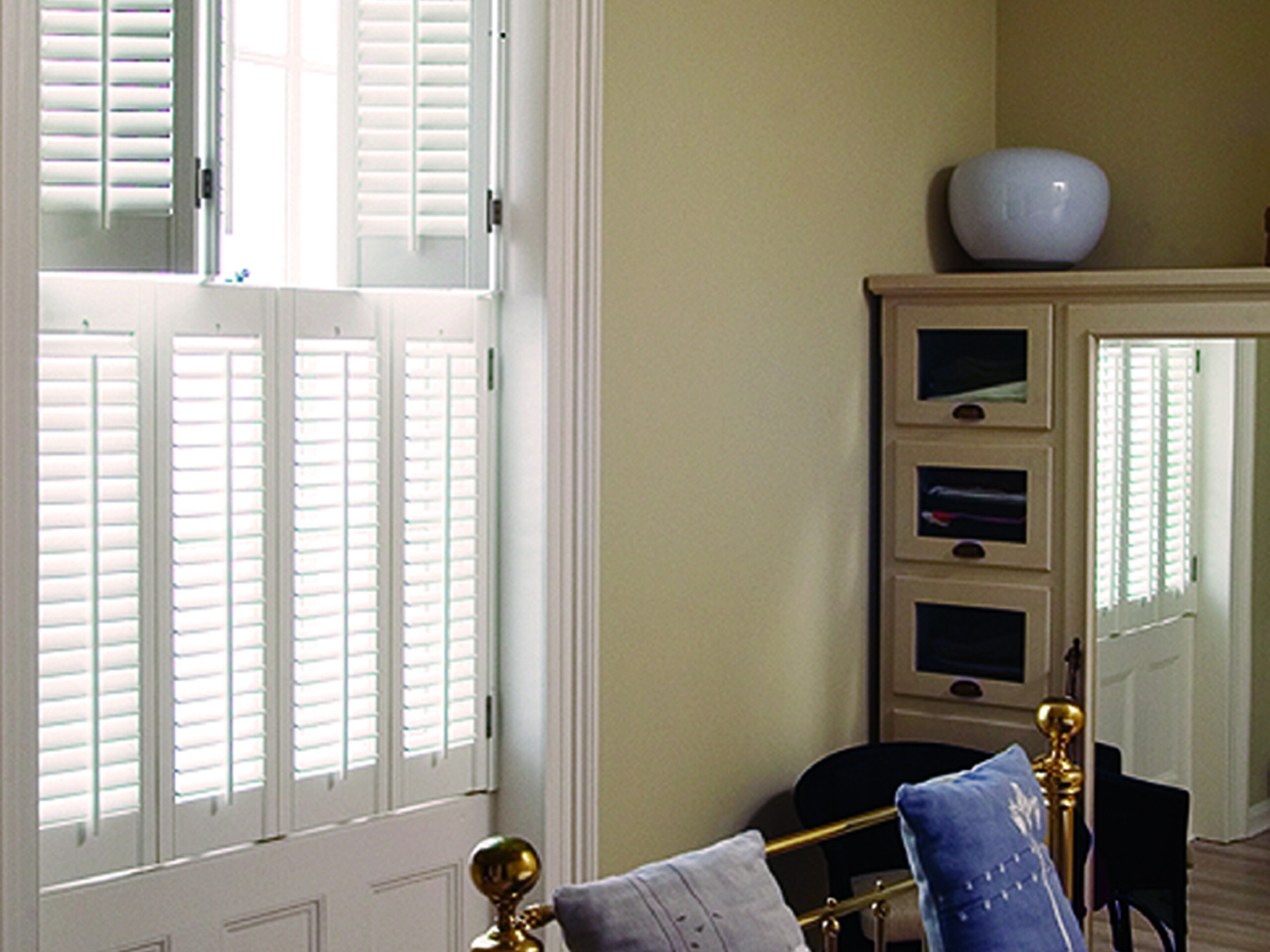Bedroom wooden shutters 2